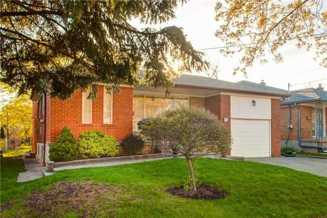 72 Chelmsford Ave, Toronto C3844736