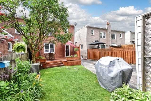 300 Broadway Ave, Toronto C3860000