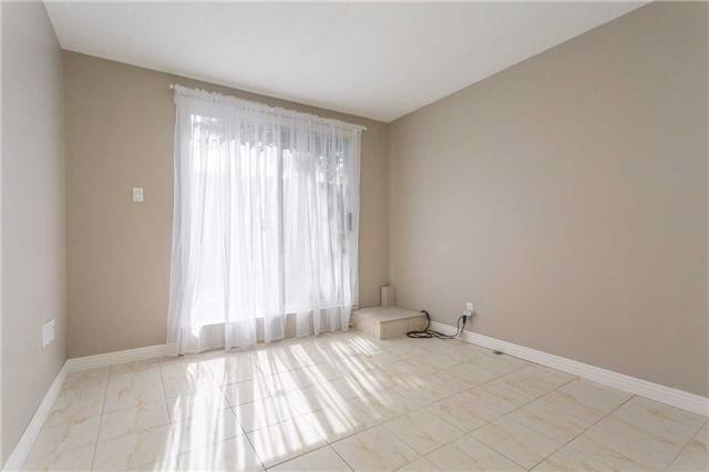 24 Willesden Rd, Toronto C3926395