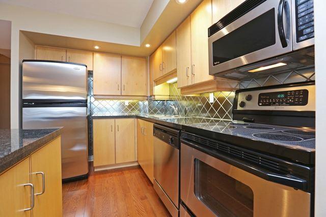 #1637 - 250 Wellington St W, Toronto C3942880