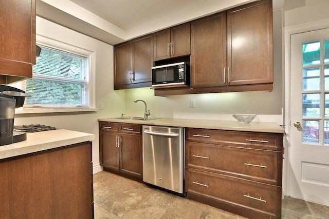 60 Brookview Dr, Toronto C3950603