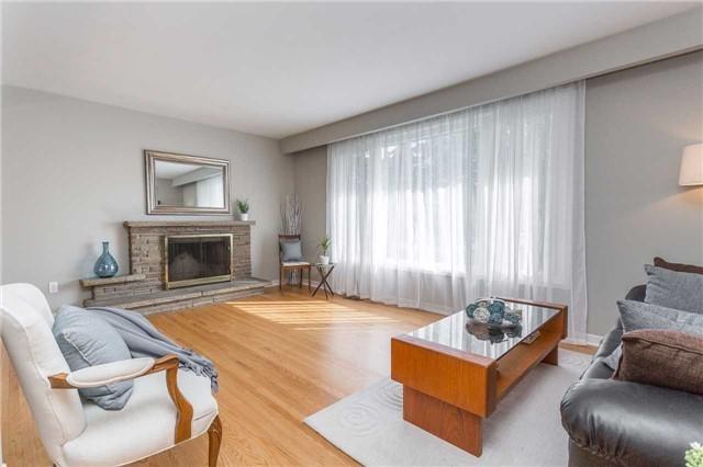 8 Lochinvar Cres, Toronto C3953378