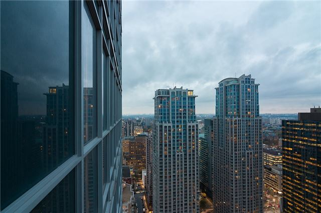#3916 - 386 Yonge St, Toronto C4033041