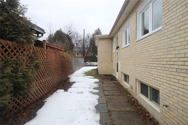 11 Belton Rd, Toronto C4047160
