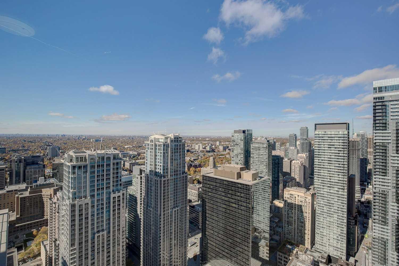 #5016 - 386 Yonge St, Toronto C4330646
