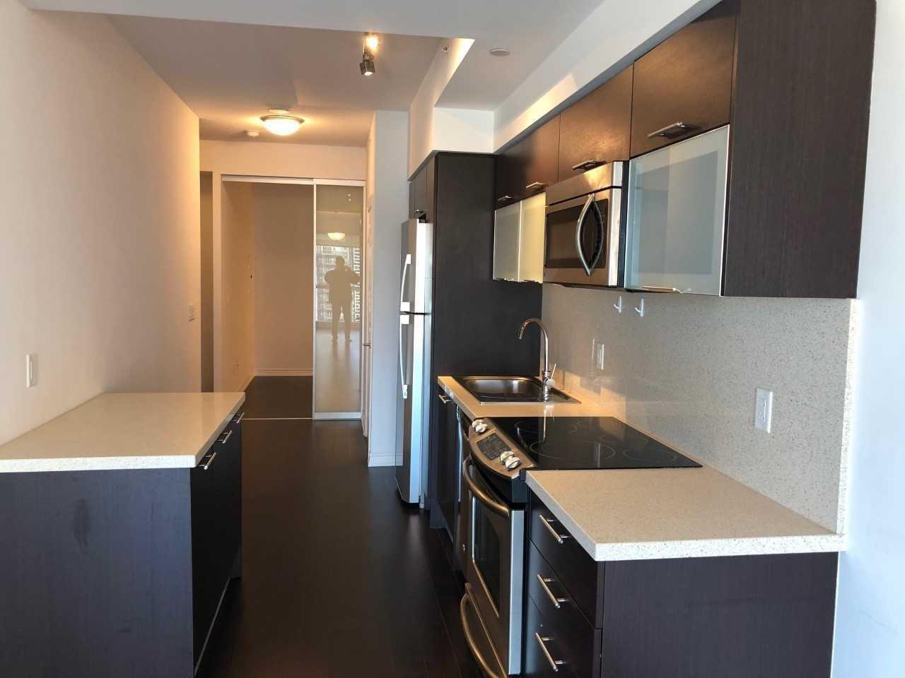 #3301 - 386 Yonge St, Toronto C4336658