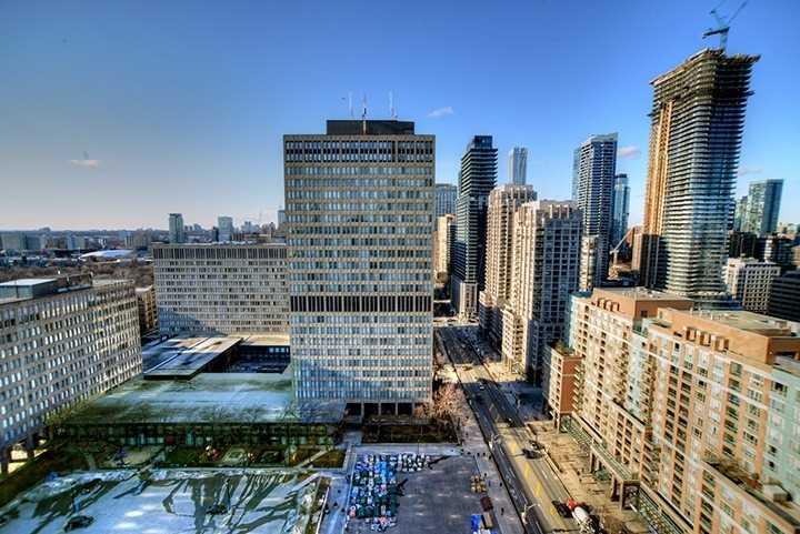 #2303 - 832 Bay St, Toronto C4389451