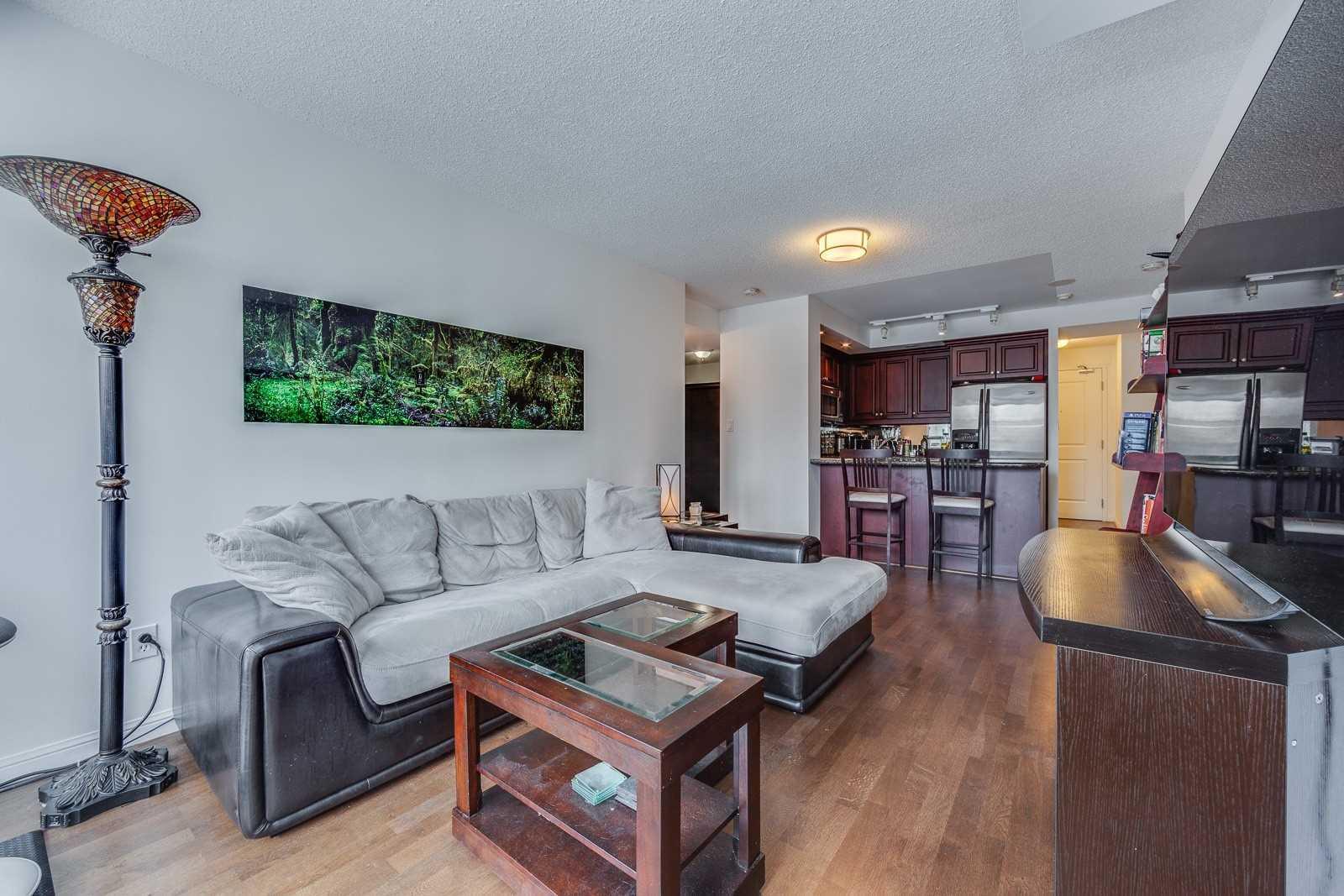 #304 - 900 Mount Pleasant Rd, Toronto C4408116