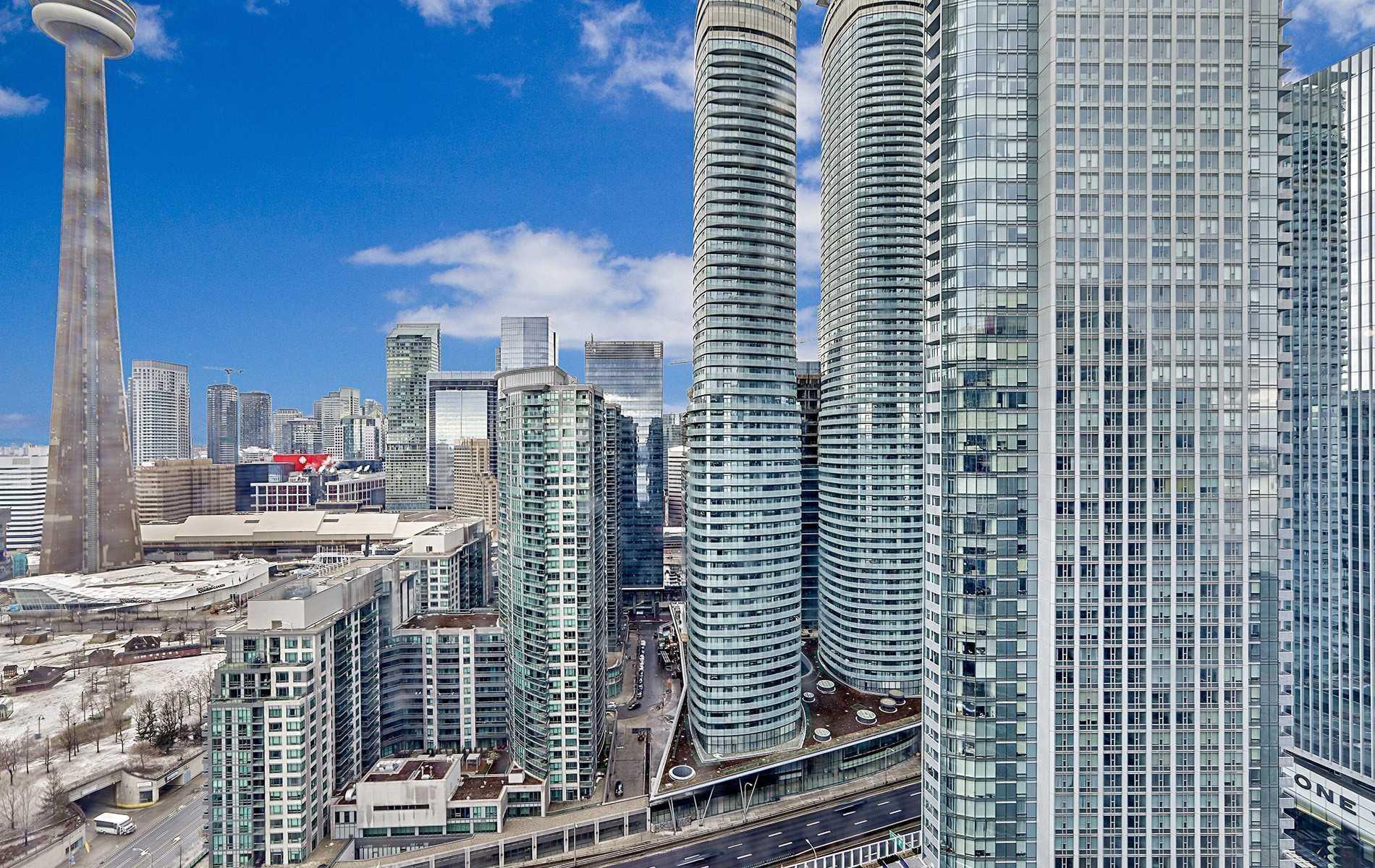 #2212 - 208 Queens Quay W, Toronto C4411893