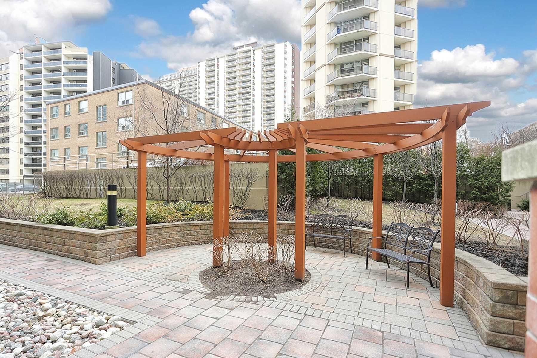 #803 - 900 Mount Pleasant Rd, Toronto C4422705