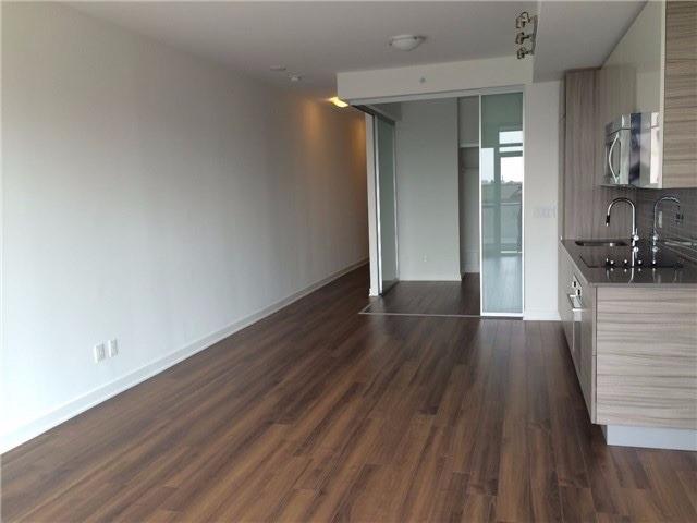 #906 - 210 Simcoe St, Toronto C4429523