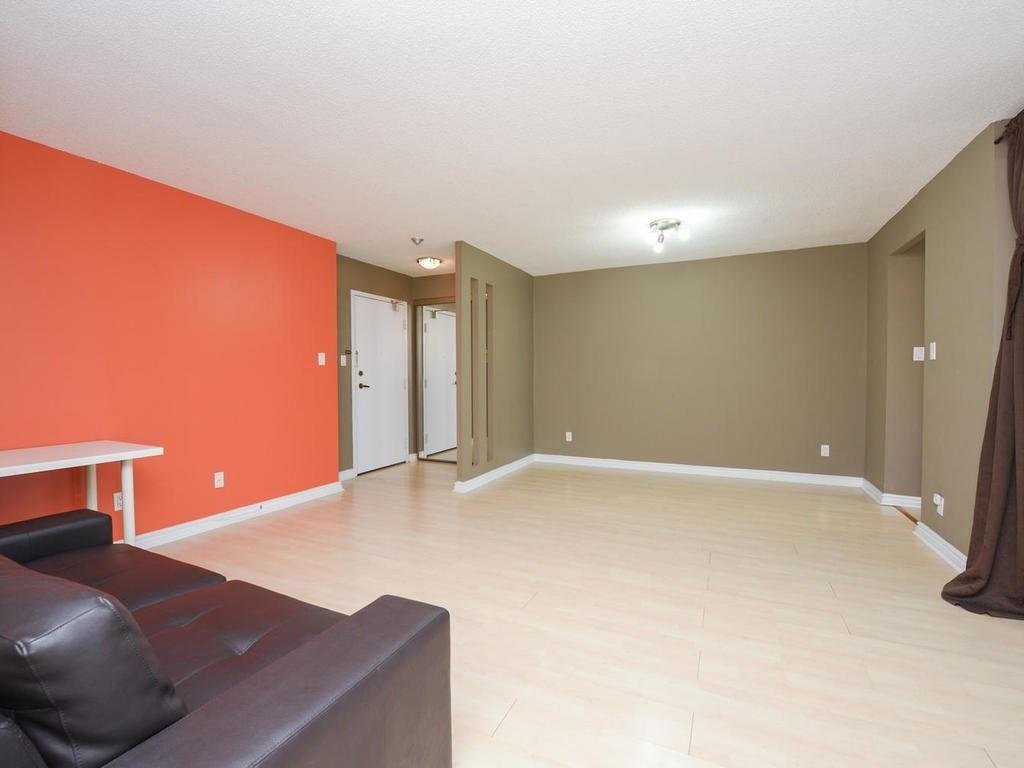 #1603 - 633 Bay St, Toronto C4431397