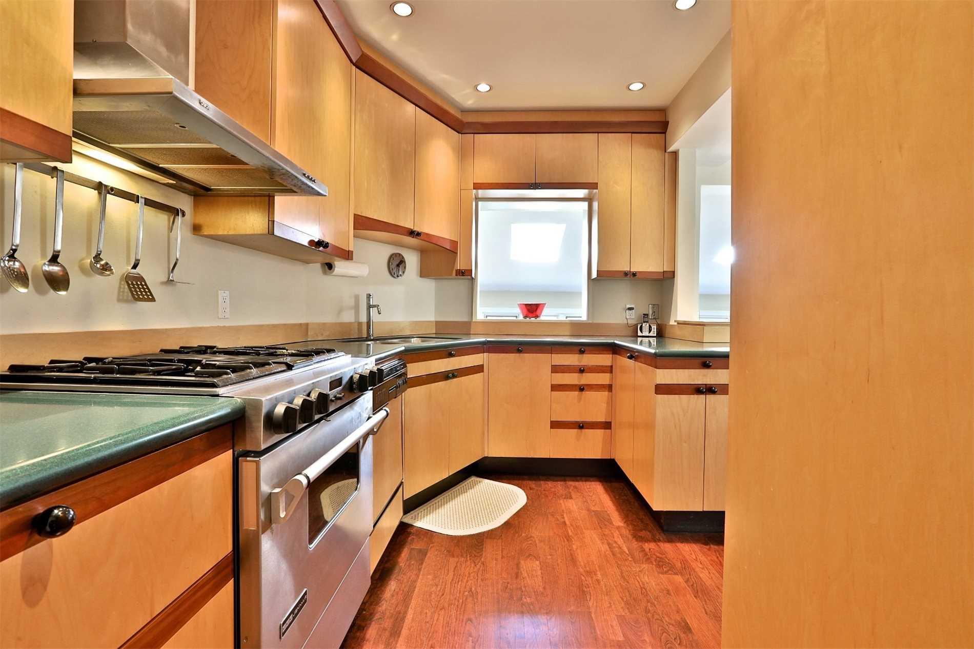 252 Castlefield Ave, Toronto C4488152