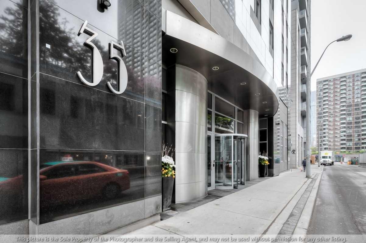 #1209 - 35 Balmuto St, Toronto C4508347