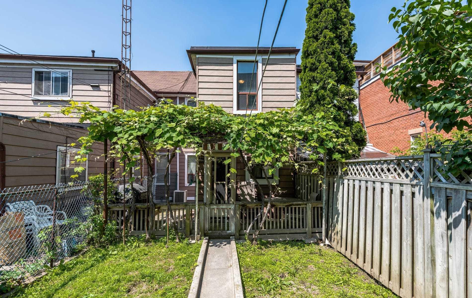 257 Markham St, Toronto C4512064