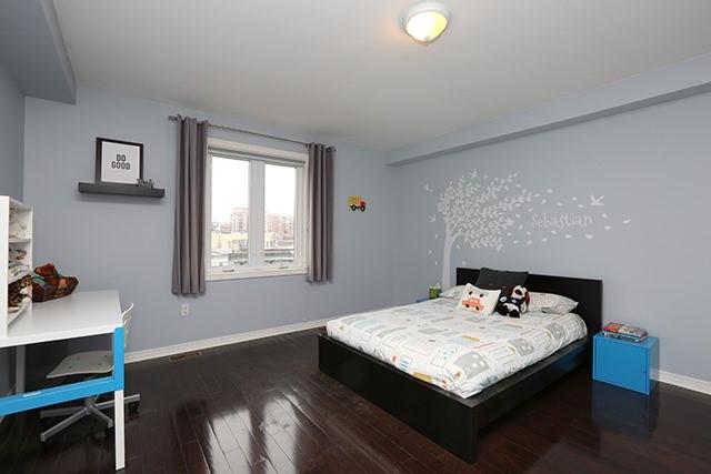 287 Kingswood Rd, Toronto E3715903