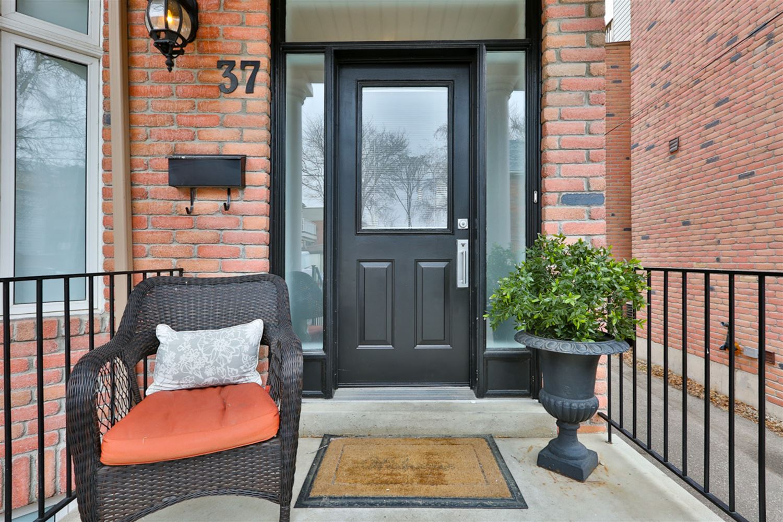 37 Clark St, Toronto E3735060
