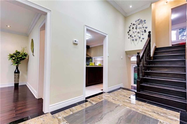 38 Bledlow Manor Dr, Toronto E3890927