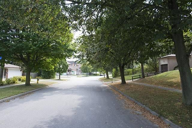 52 Mid Pines Rd, Toronto E3938738