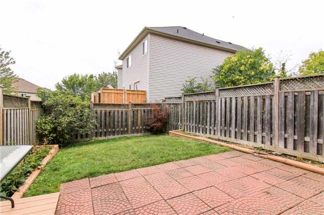 40 Inlet Bay Dr, Whitby E3951417