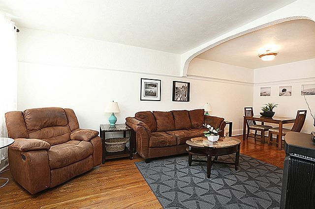 61 Lawlor Ave, Toronto E4019449