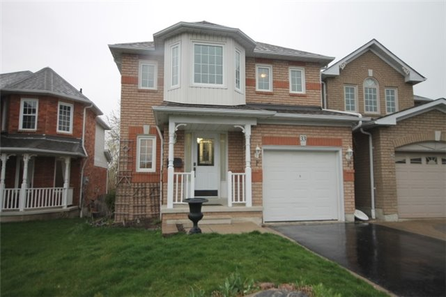 33 Harness Ridge Dr, Whitby E4040684