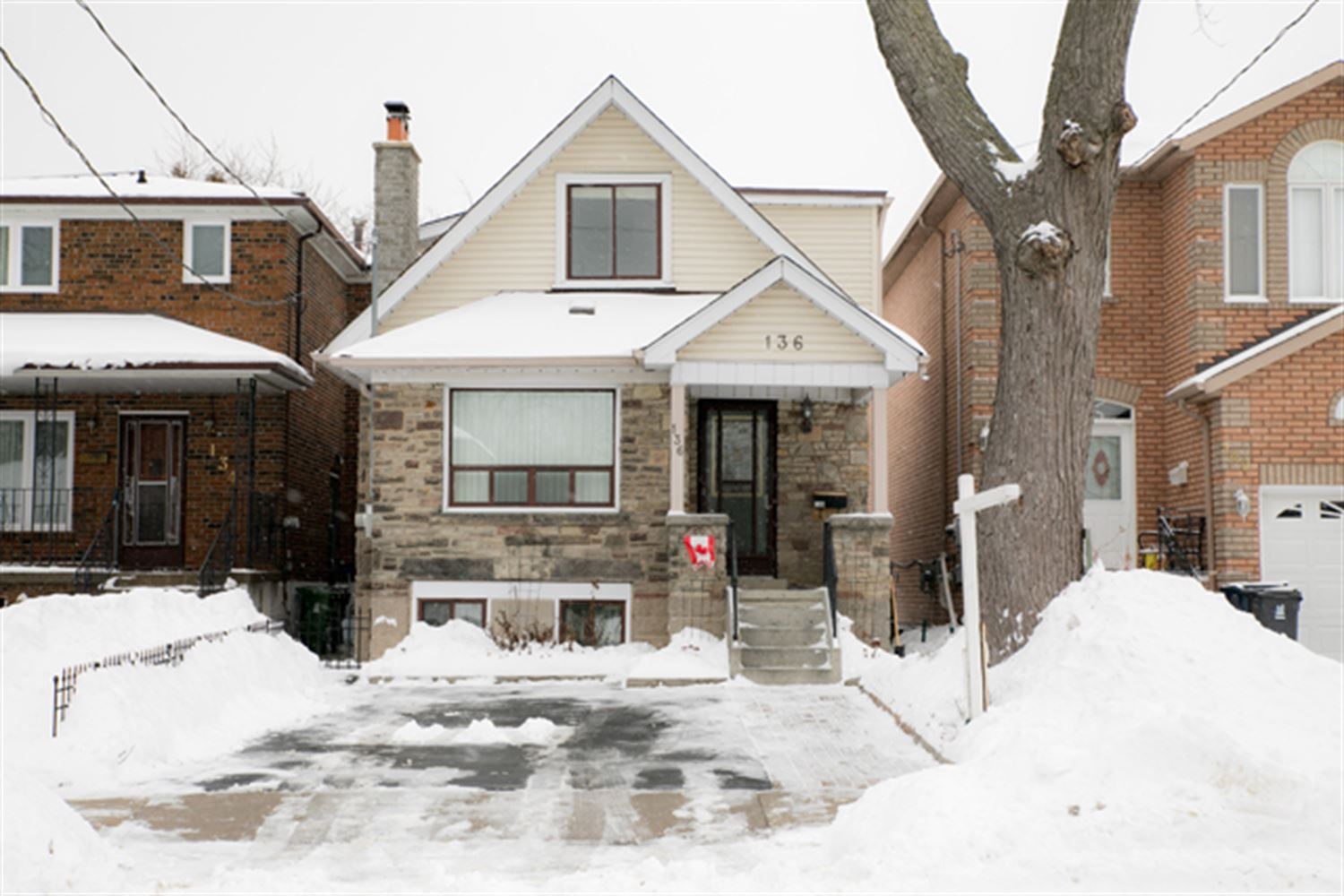 136 South Edgely Ave, Toronto E4040807
