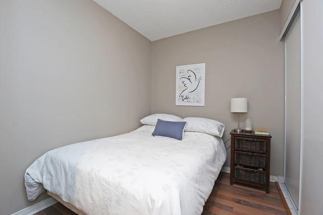 #215 - 1733 Queen St E, Toronto E4057911