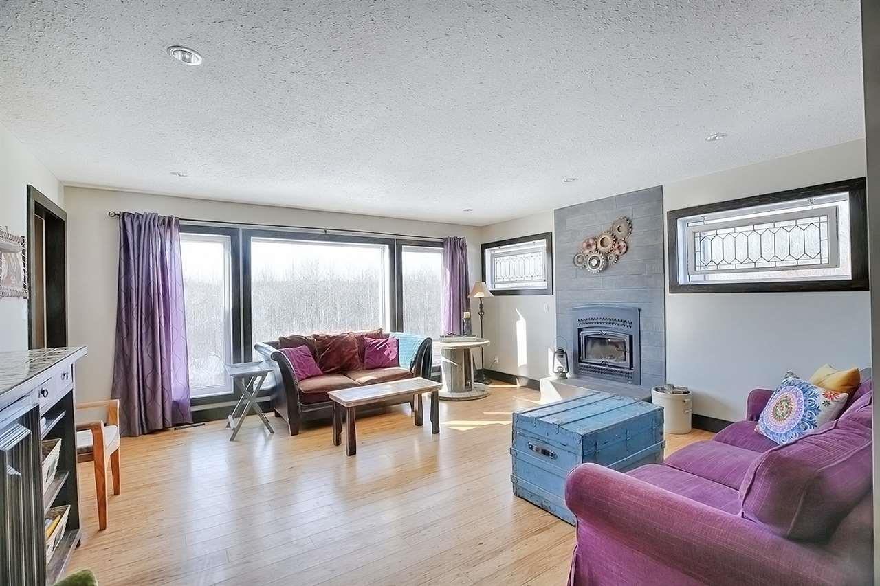 882 Cosburn Ave, Toronto E4095371