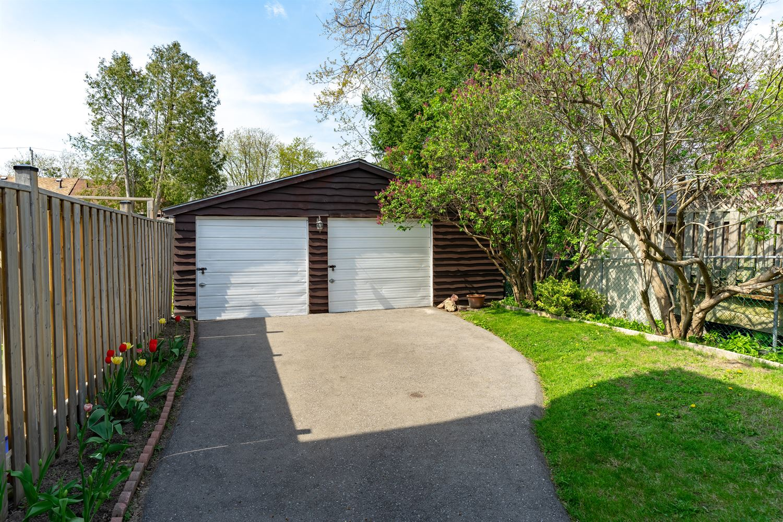 194 Barker Ave, Toronto E4128536