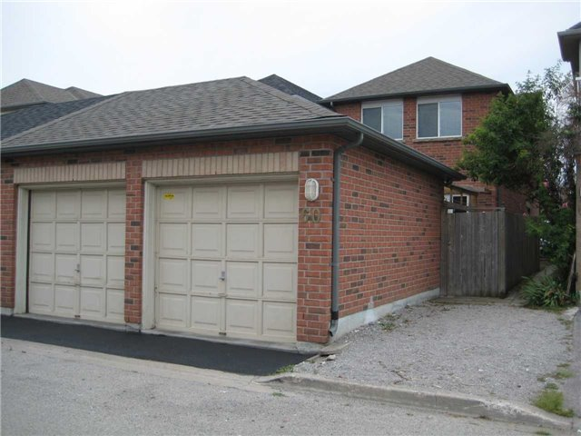 60 Carrera Blvd, Toronto E4220211