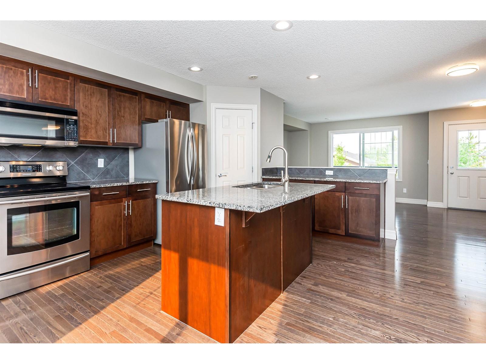 277 Woodbine Ave, Toronto E4267192