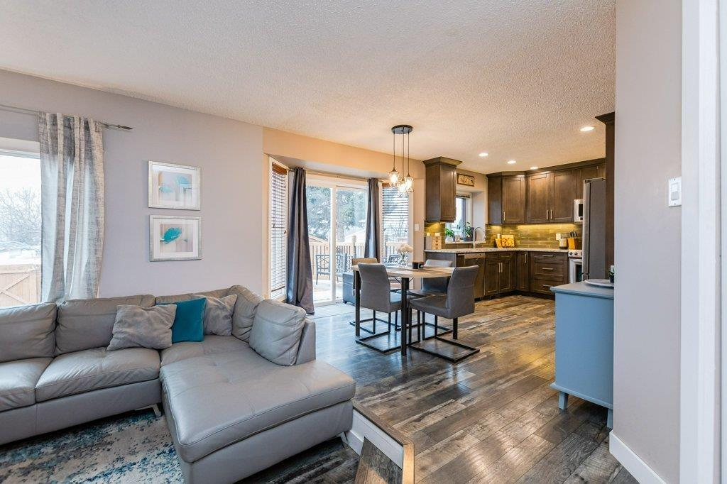 56 Presley Ave, Toronto E4270000