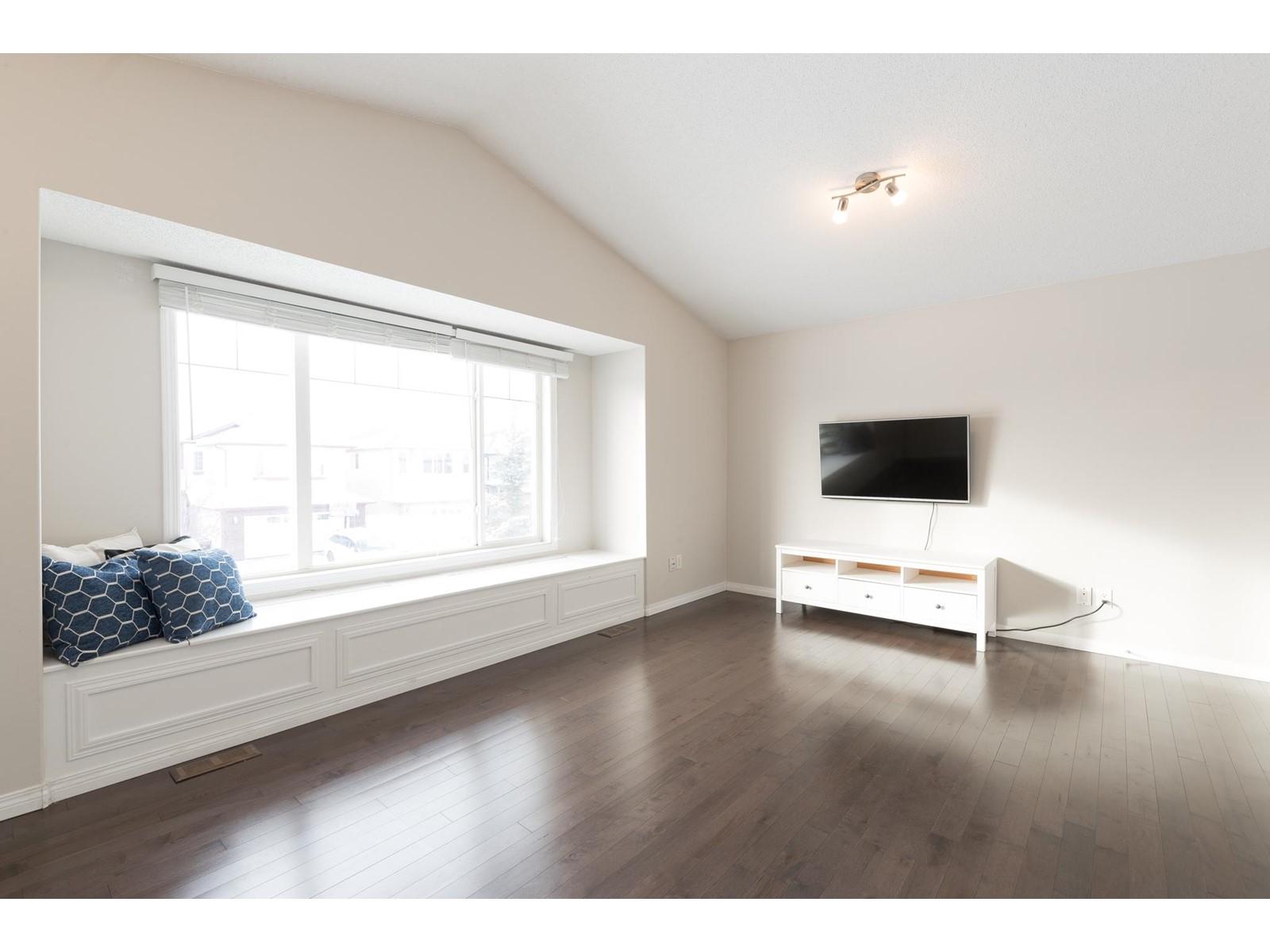 30 Watson St, Toronto E4270009