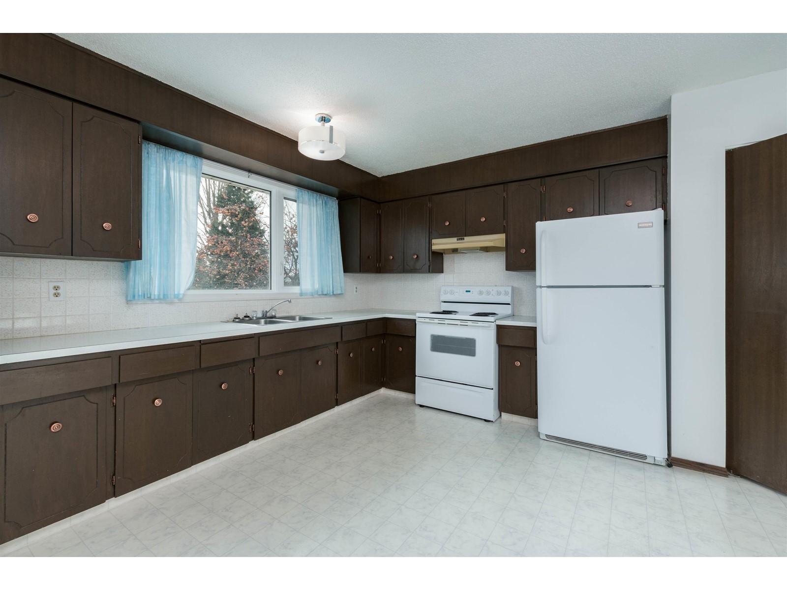 1046 Kennedy Rd, Toronto E4270030