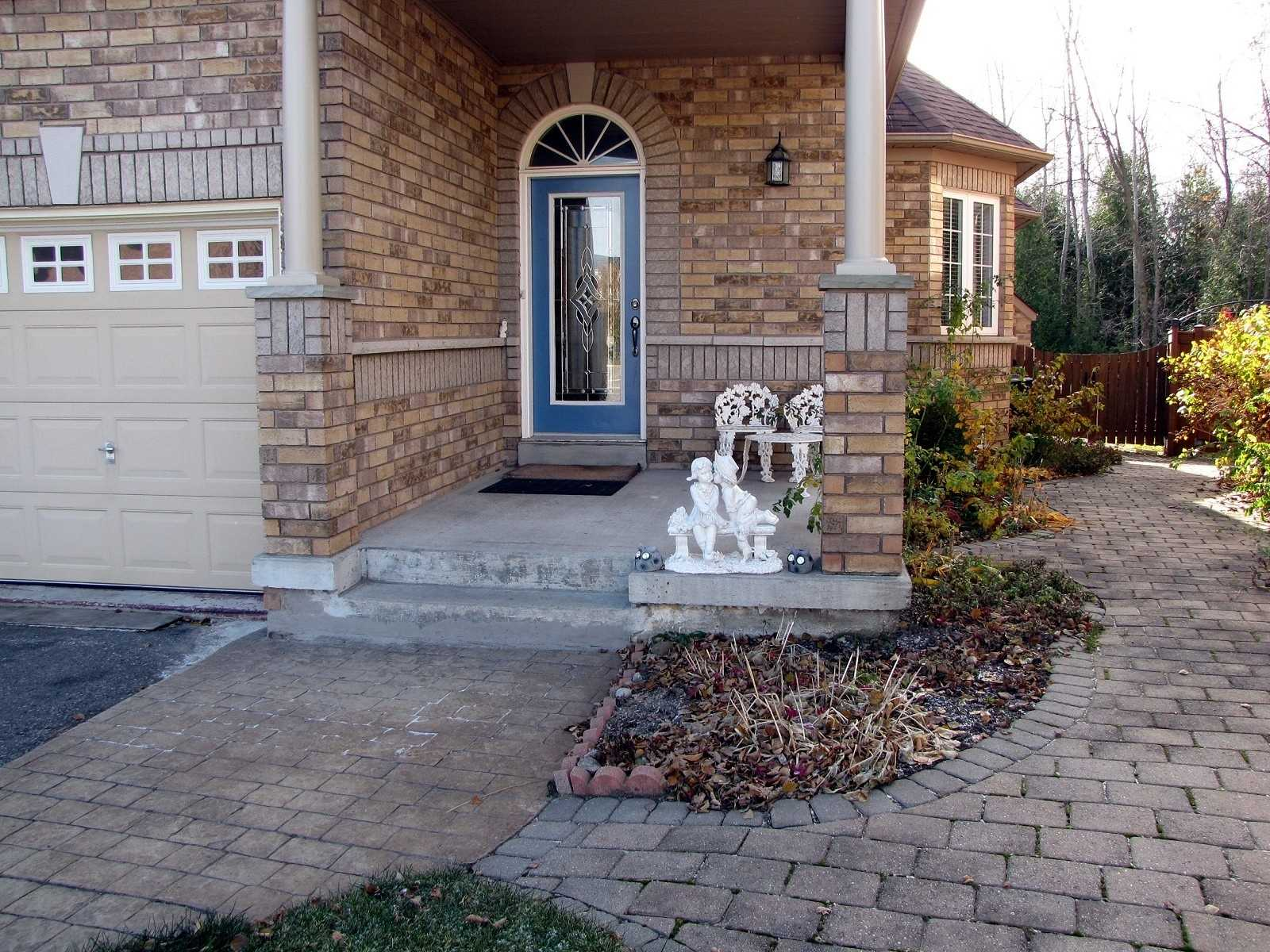 305 Mapleview Crt, Pickering E4314415