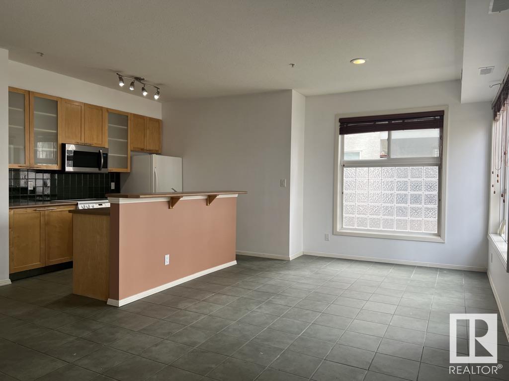 392 Mortimer Ave, Toronto E4337193