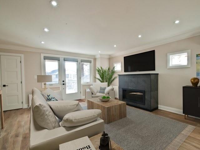 22 Wineva Ave, Toronto E4383911