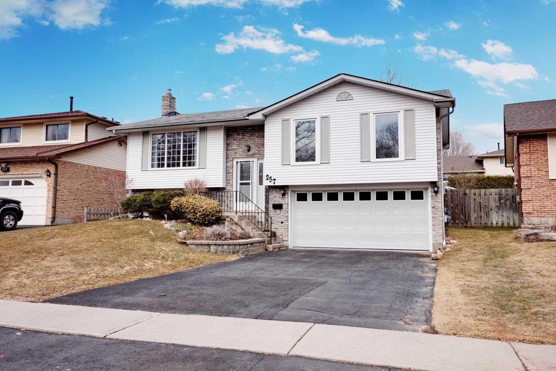 257 Athabasca St E, Oshawa E4392380