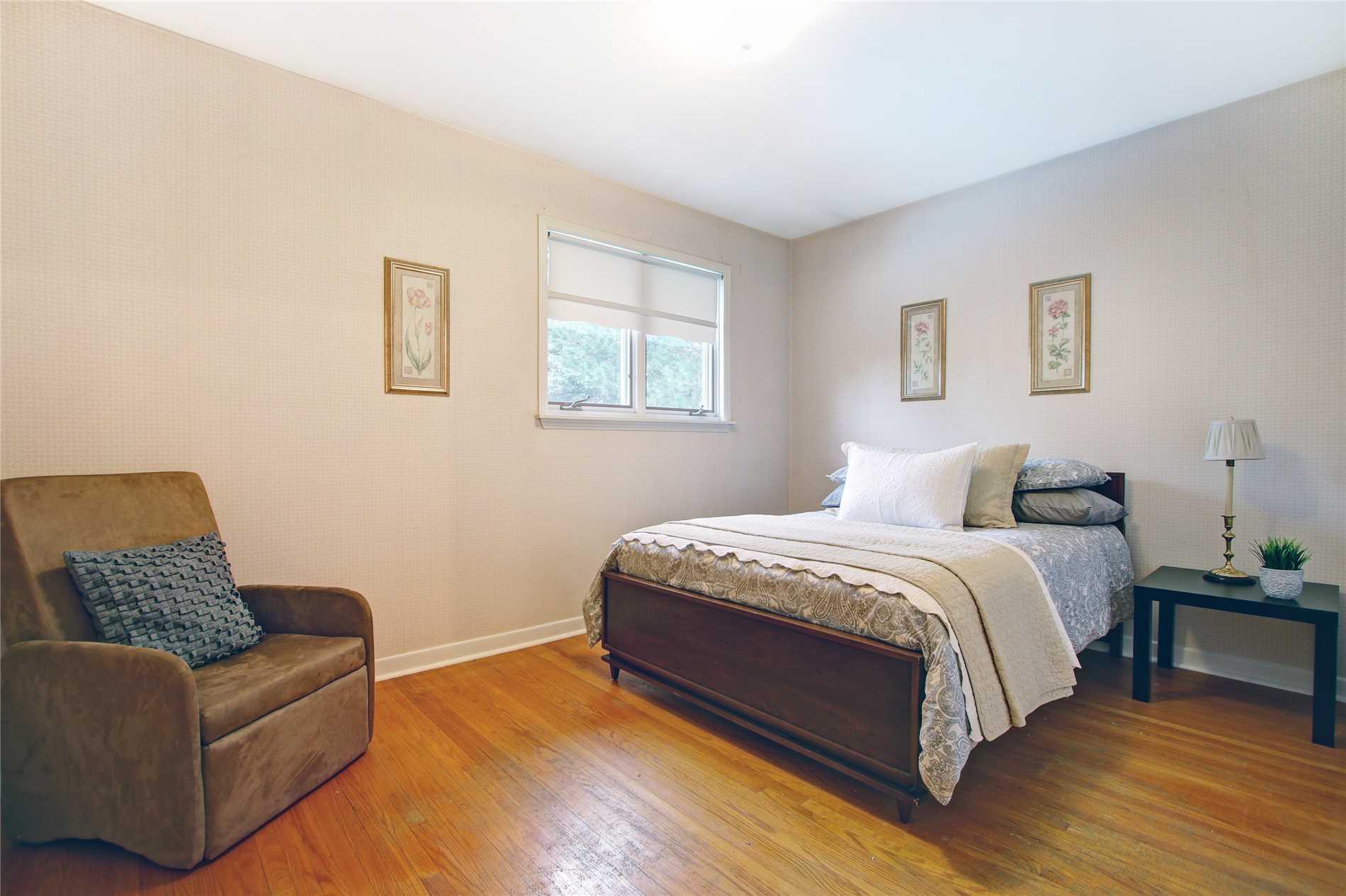 34 Dearham Wood, Toronto E4403671