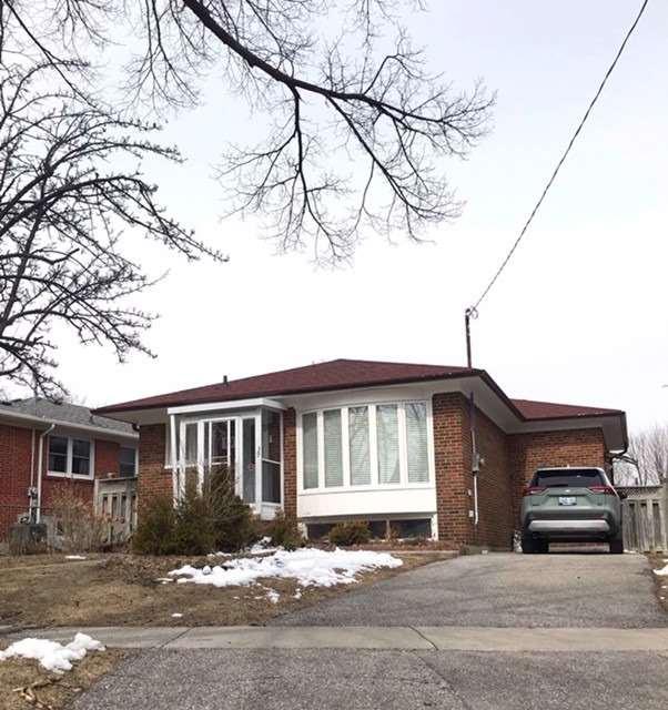 39 Roseglor Cres, Toronto E4405480