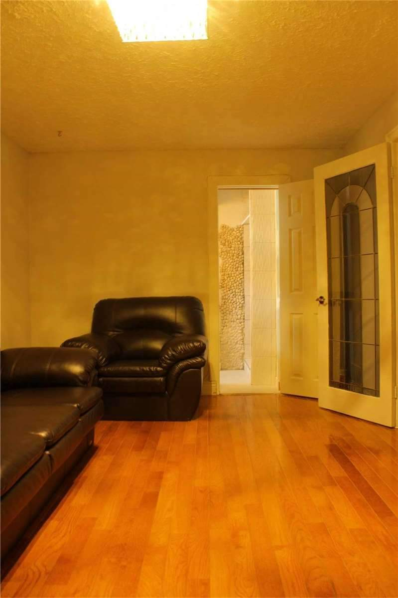 155 Oakmeadow Blvd, Toronto E4408530