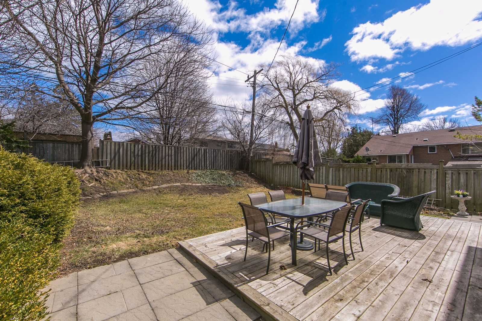 3 Cathedral Bluffs Dr, Toronto E4410790