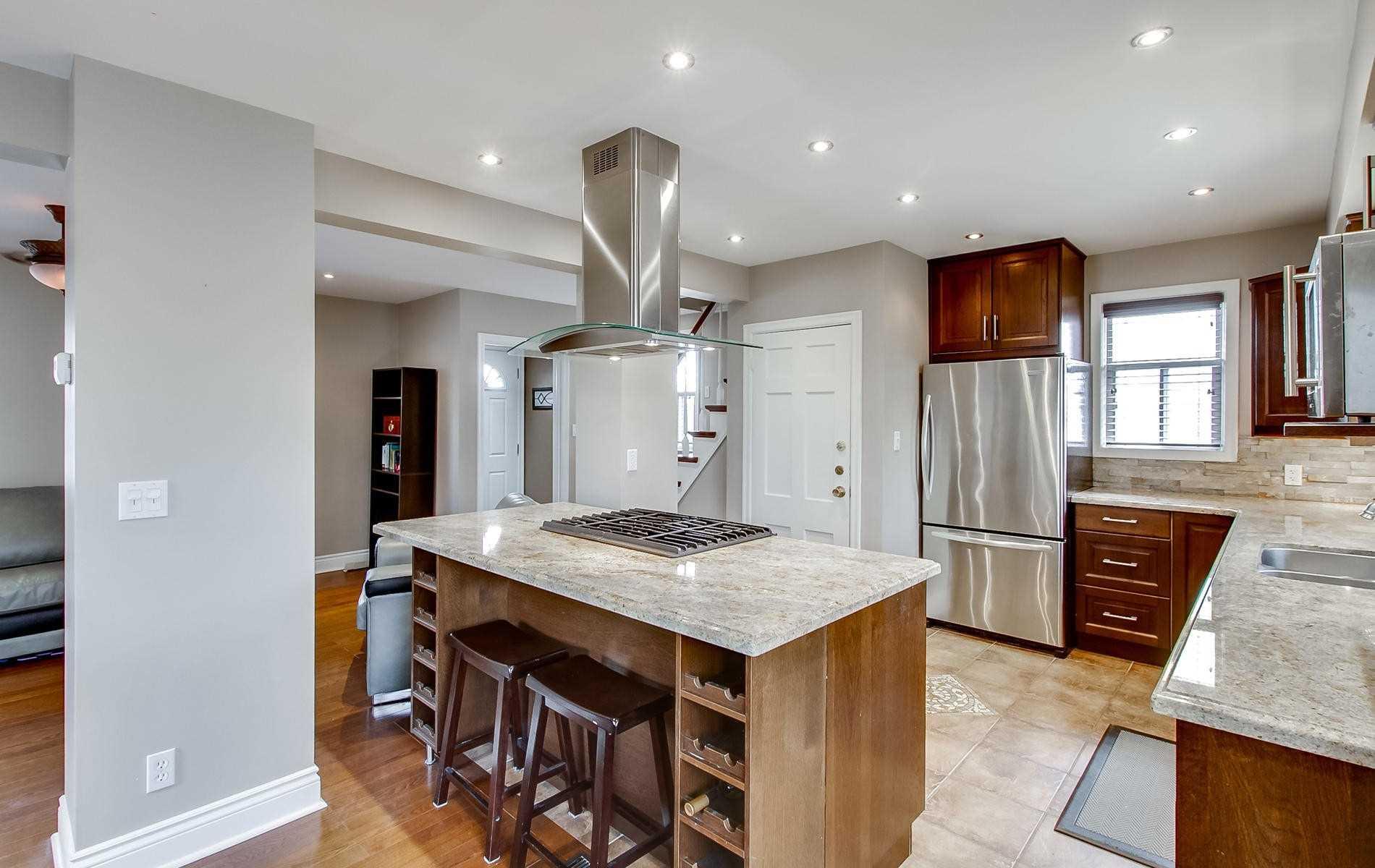 62 Inniswood Dr, Toronto E4413363