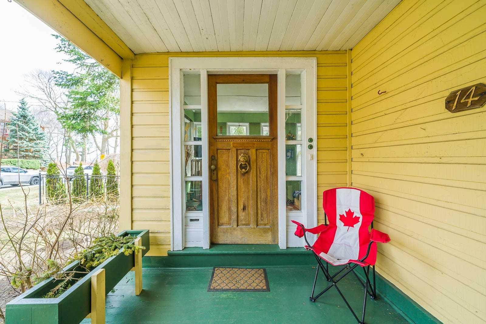 14 Balsam Ave, Toronto E4416008
