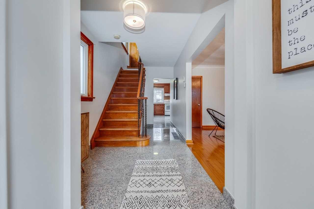 239 Hiawatha Rd, Toronto E4434066