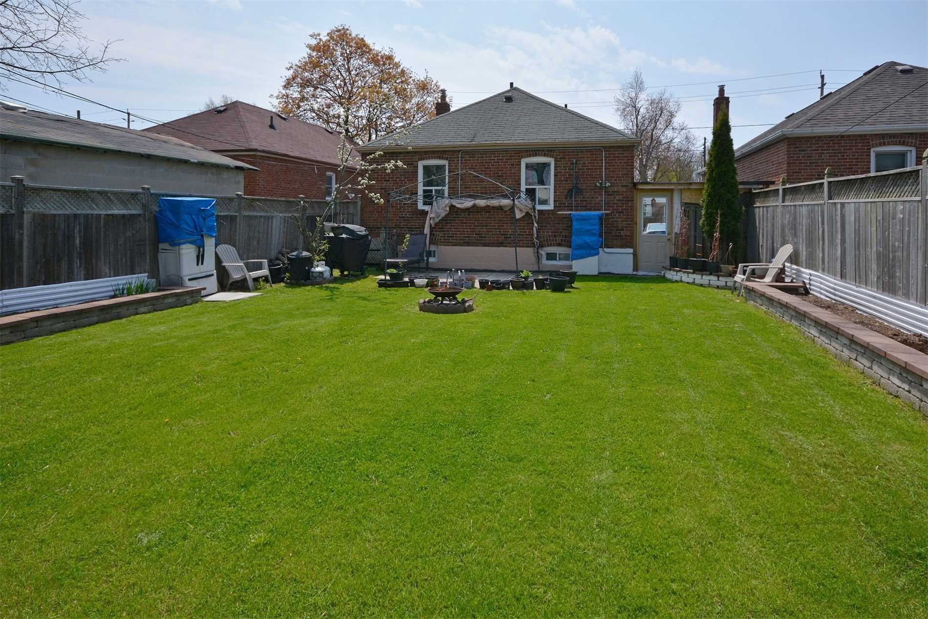 2732 St Clair Ave E, Toronto E4455917