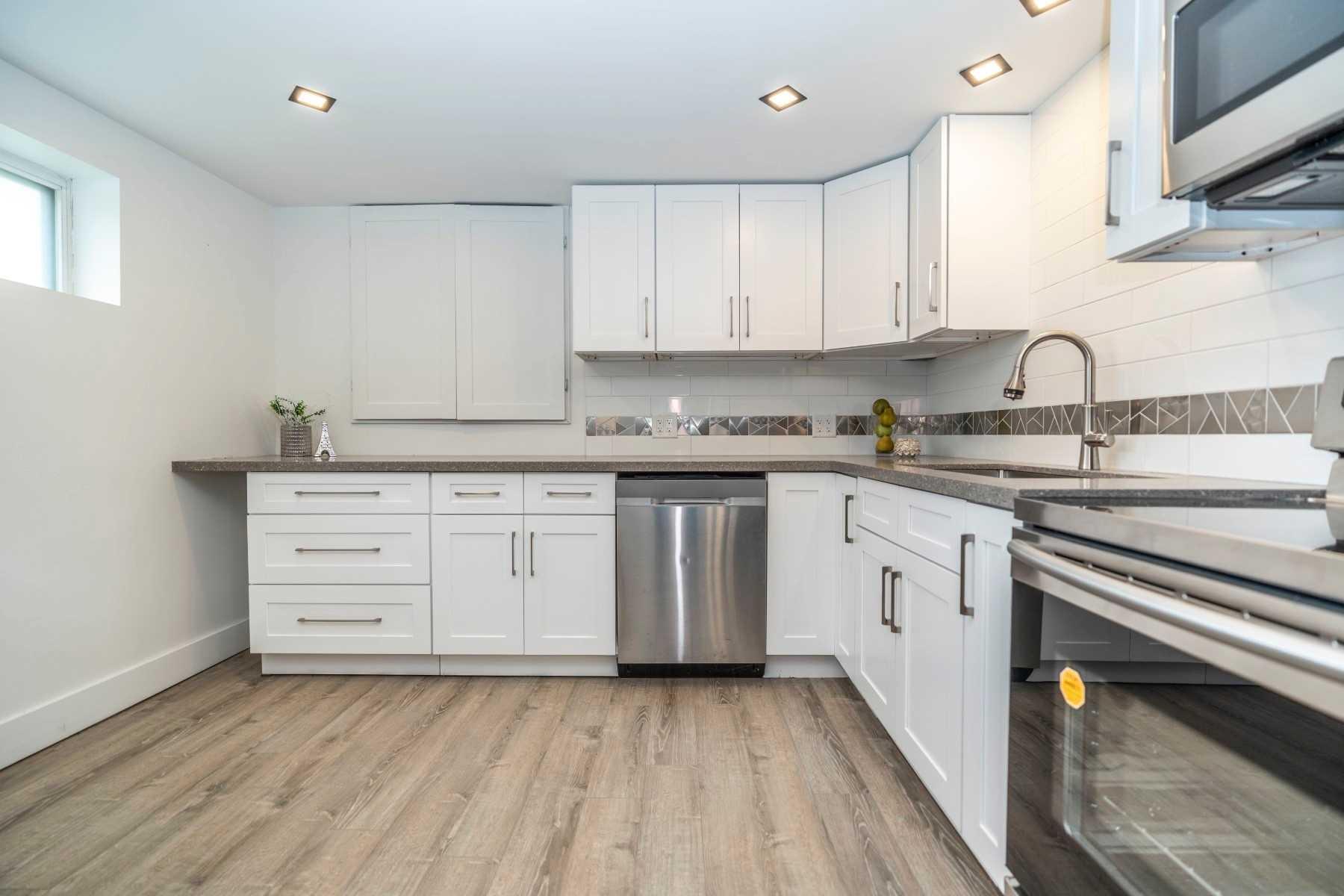 18 Deerfield Rd, Toronto E4460662