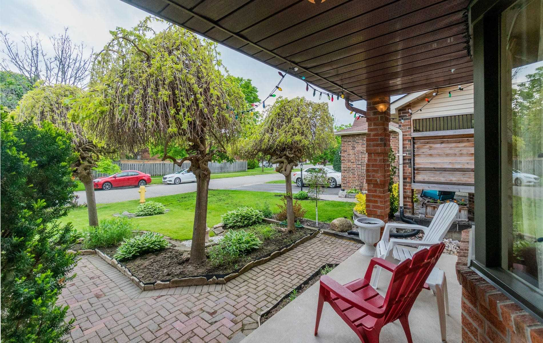 556 Laurier Cres, Pickering E4477686