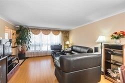 1074 Pharmacy Ave, Toronto E4478957